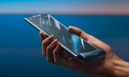 Android vest Novi Moto Razr model posle kraćeg zastoja dolazi u prodaju